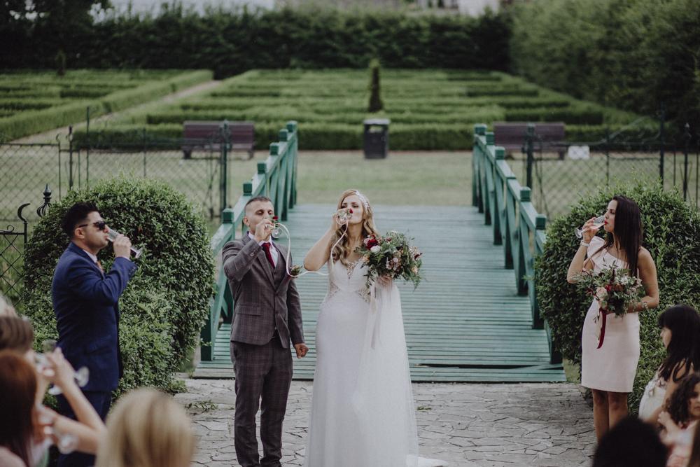Ślub na zamku królewskim w Niepołomicach-105