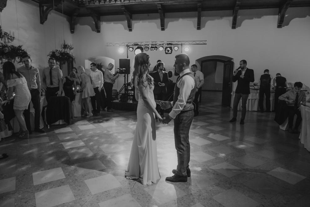 Ślub na zamku królewskim w Niepołomicach-123