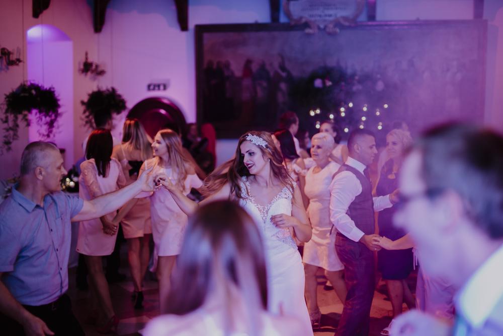 Ślub na zamku królewskim w Niepołomicach-143
