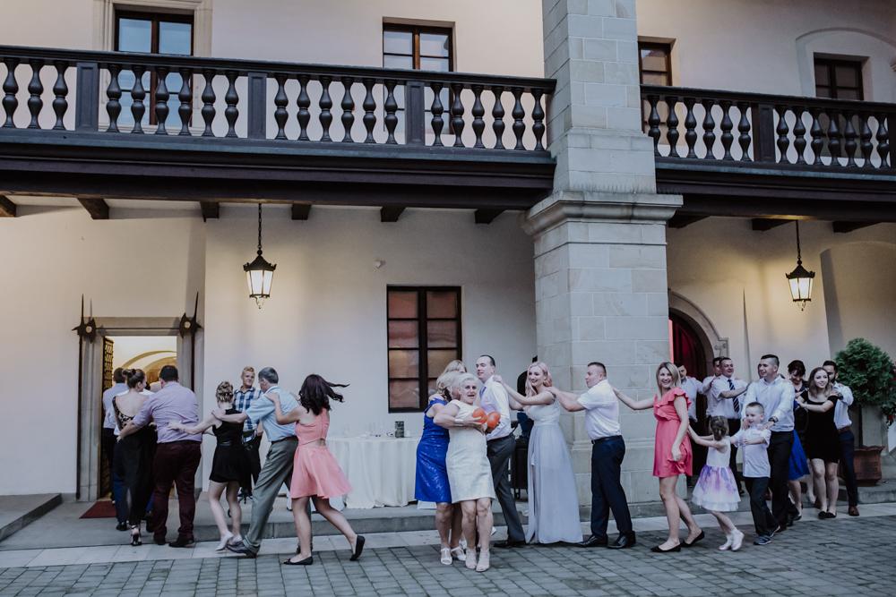 Ślub na zamku królewskim w Niepołomicach-152