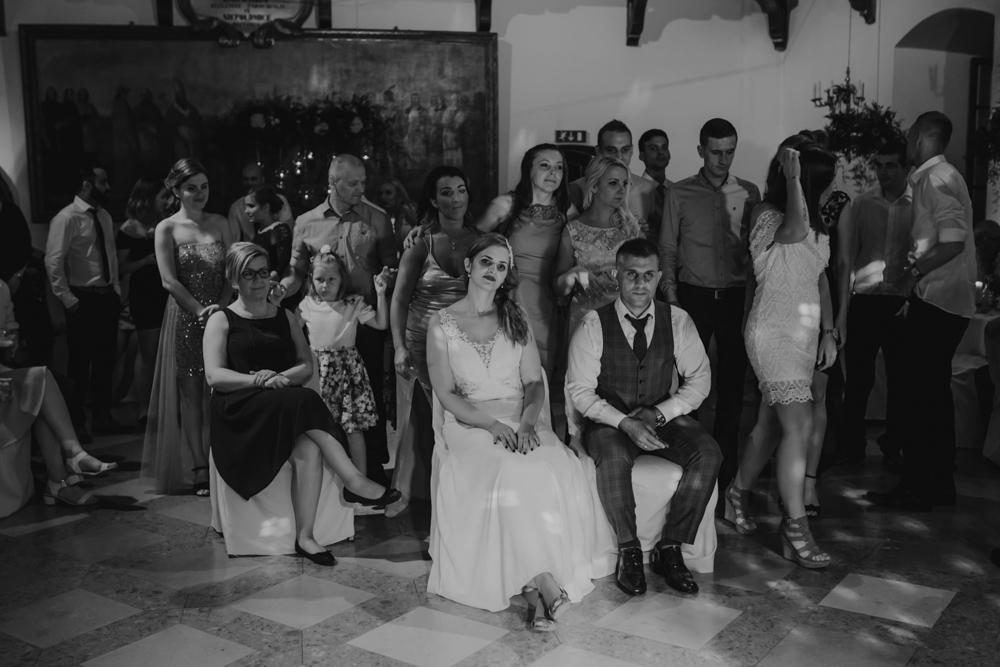 Ślub na zamku królewskim w Niepołomicach-174