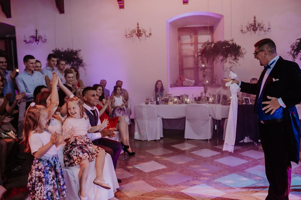 Ślub na zamku królewskim w Niepołomicach-175