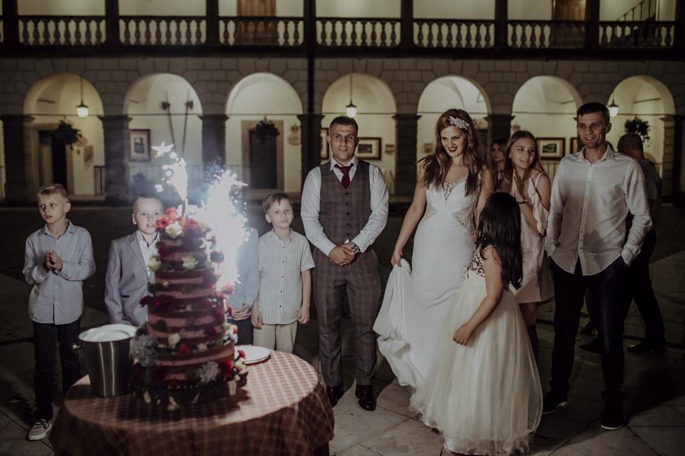 Ślub na zamku królewskim w Niepołomicach-183