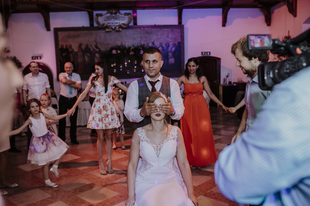 Ślub na zamku królewskim w Niepołomicach-205