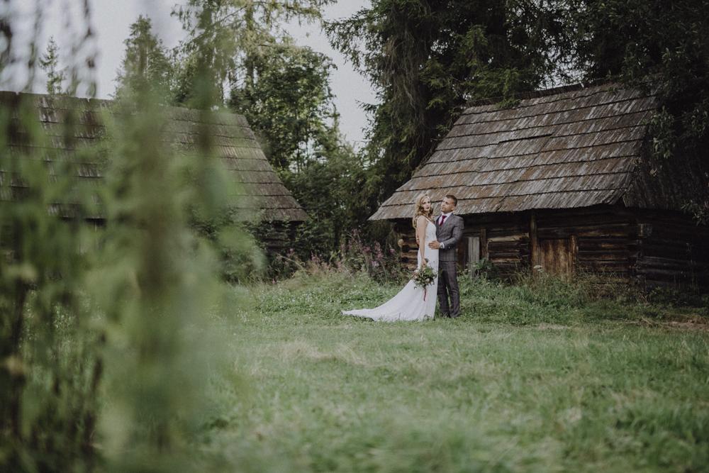 Ślub na zamku królewskim w Niepołomicach-217
