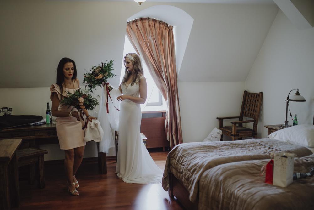 Ślub na zamku królewskim w Niepołomicach-40