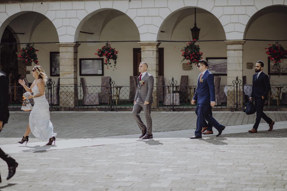 Ślub na zamku królewskim w Niepołomicach-47