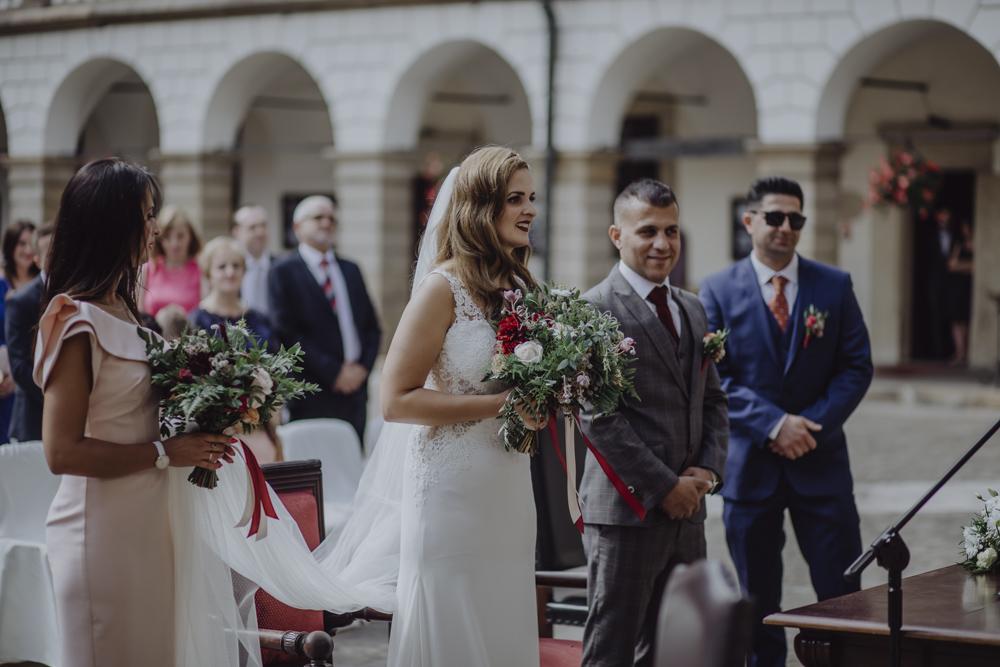 Ślub na zamku królewskim w Niepołomicach-57