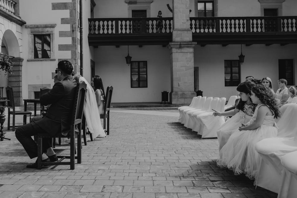 Ślub na zamku królewskim w Niepołomicach-63