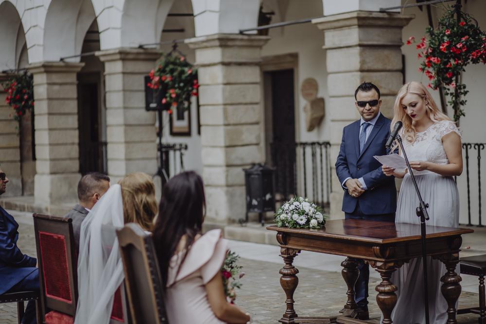 Ślub na zamku królewskim w Niepołomicach-72