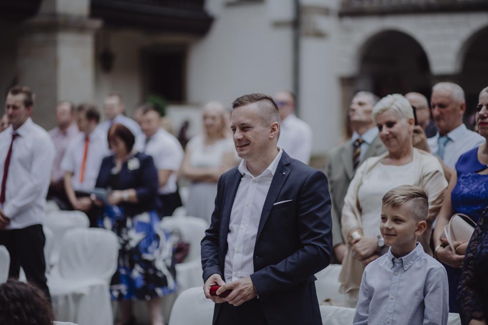 Ślub na zamku królewskim w Niepołomicach-85