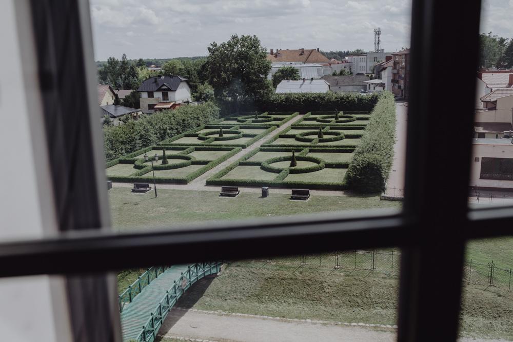 Ślub na zamku królewskim w Niepołomicach-04