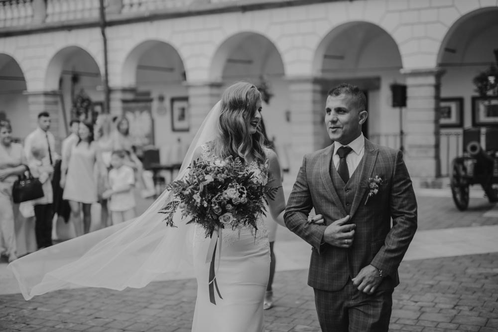 Ślub na zamku królewskim w Niepołomicach-102
