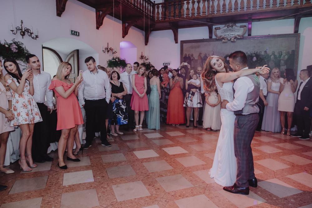 Ślub na zamku królewskim w Niepołomicach-127