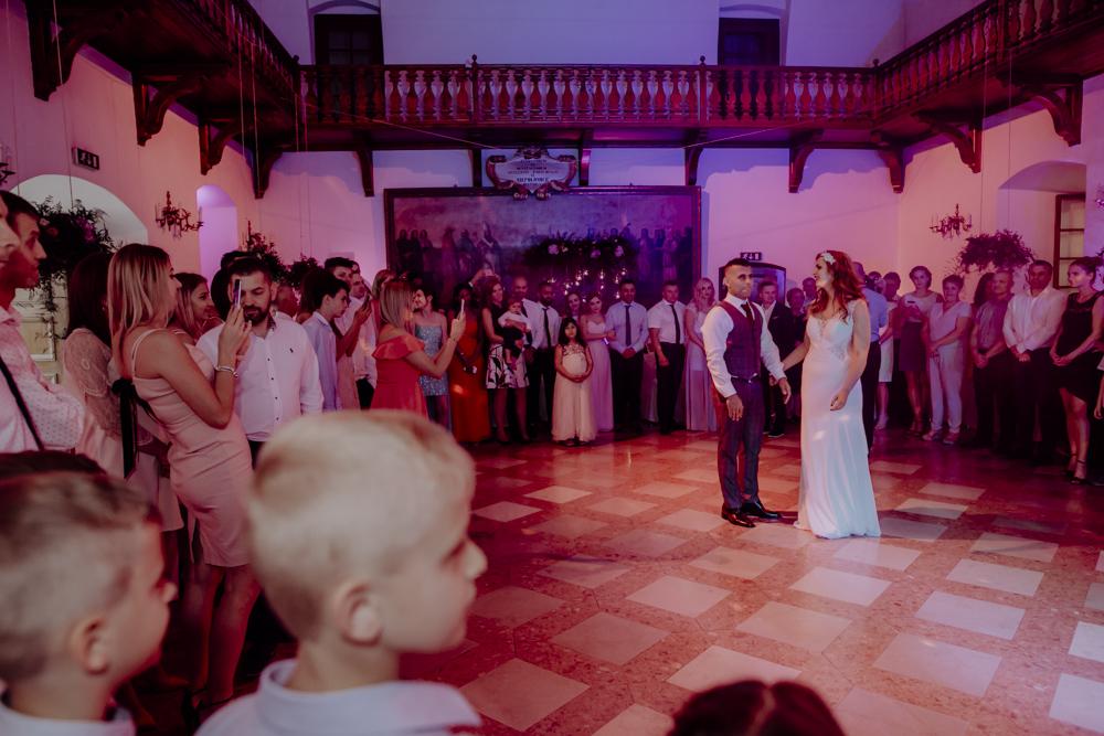 Ślub na zamku królewskim w Niepołomicach-128
