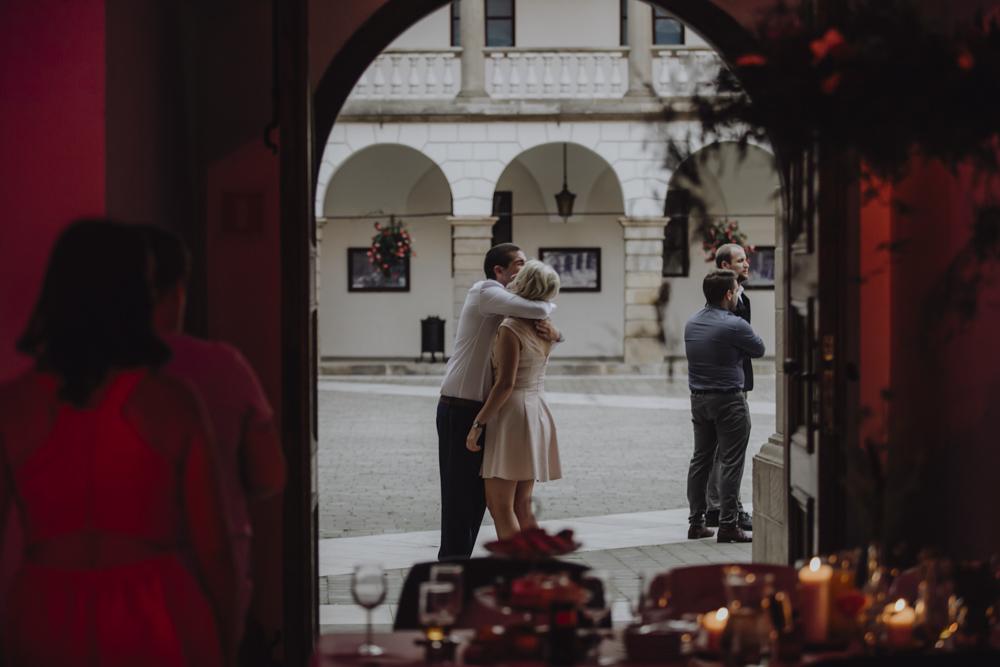 Ślub na zamku królewskim w Niepołomicach-146