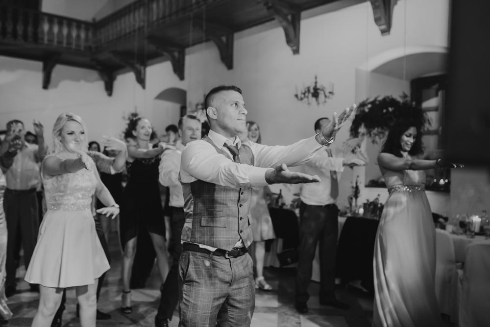 Ślub na zamku królewskim w Niepołomicach-167