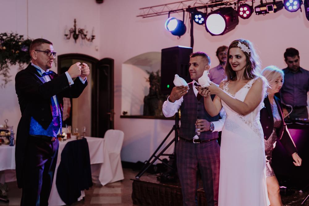 Ślub na zamku królewskim w Niepołomicach-180