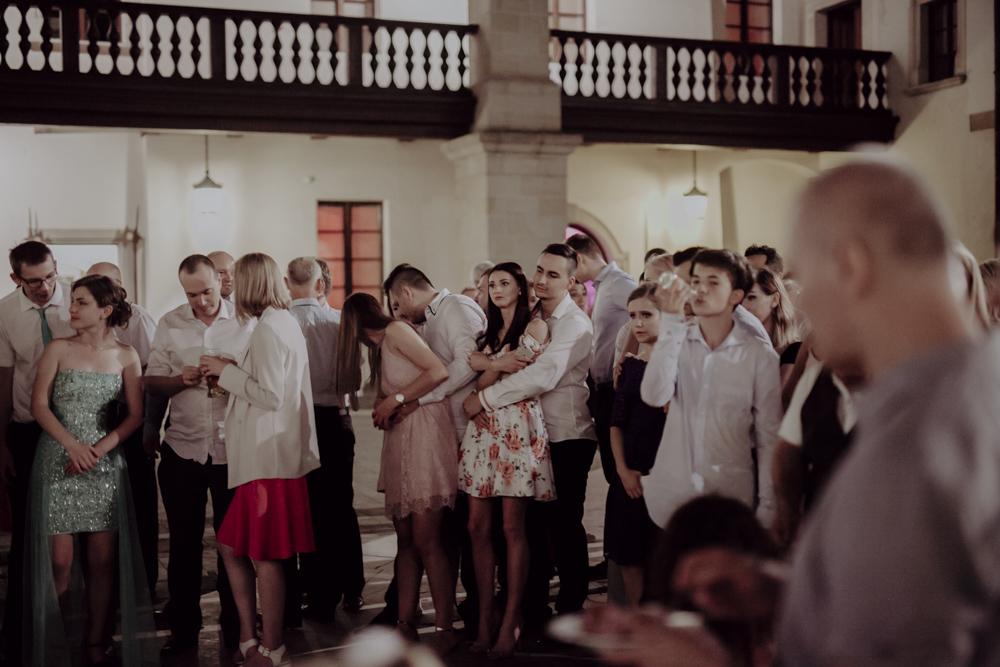 Ślub na zamku królewskim w Niepołomicach-188