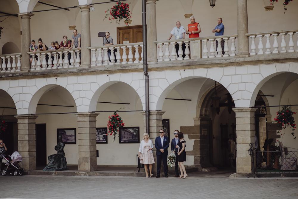 Ślub na zamku królewskim w Niepołomicach-45
