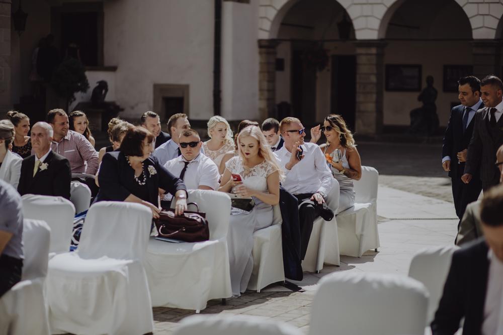 Ślub na zamku królewskim w Niepołomicach-49