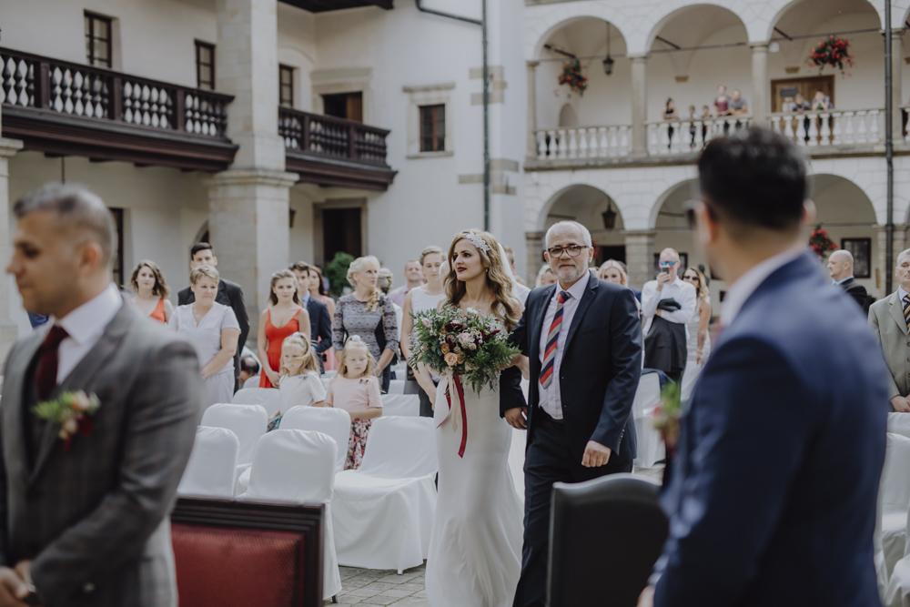 Ślub na zamku królewskim w Niepołomicach-54