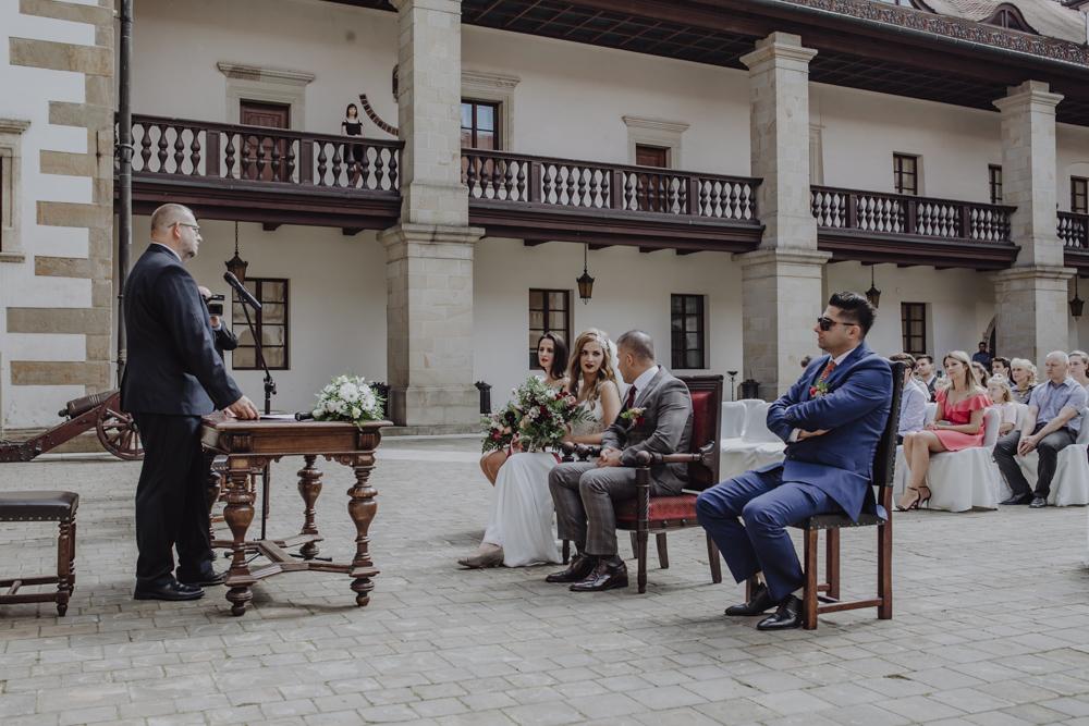 Ślub na zamku królewskim w Niepołomicach-64