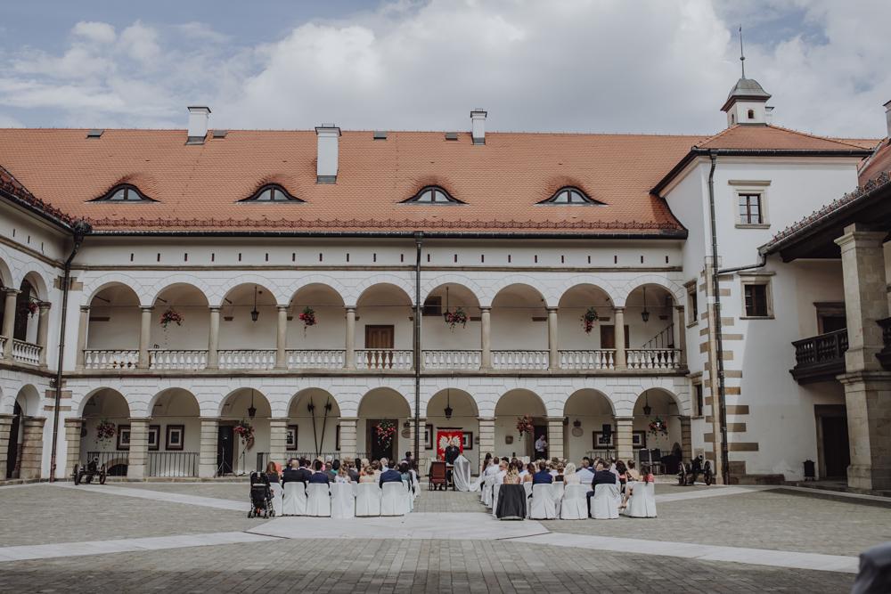 Ślub na zamku królewskim w Niepołomicach-67