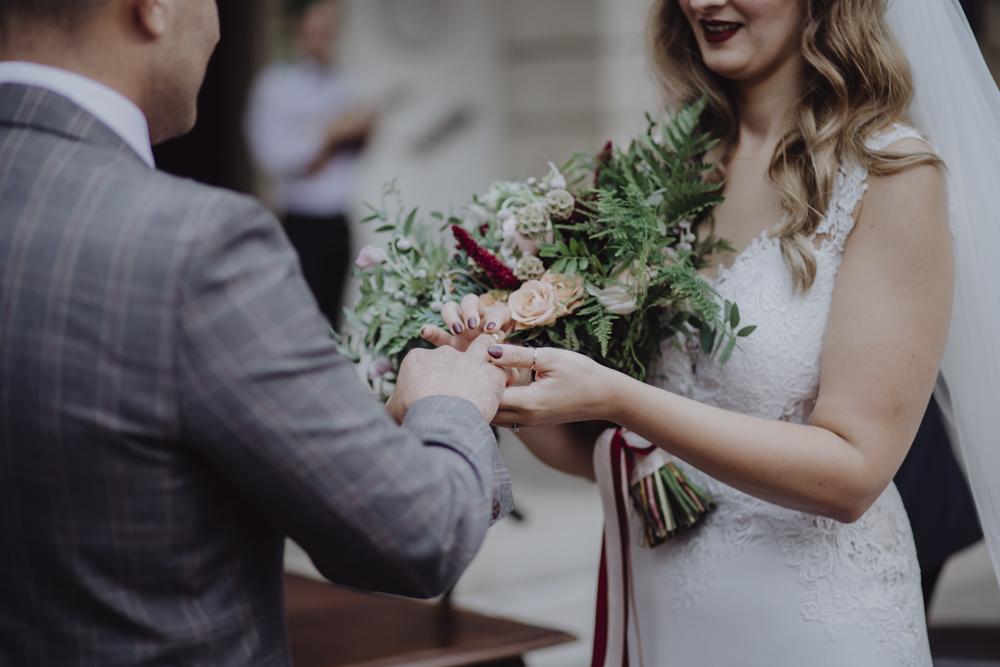 Ślub na zamku królewskim w Niepołomicach-91